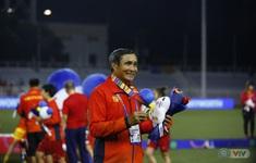 HLV Mai Đức Chung xúc động sau chức vô địch SEA Games lần thứ 6 của bóng đá  nữ Việt Nam