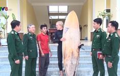 Ngư dân Bình Định cứu  01 người nước ngoài gặp nạn trên biển khi lướt ván
