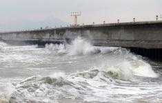 Tàu cá bị chìm tại Phú Yên: 2 người mất tích, 4 người được cứu thoát