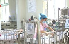 Tự điều trị ở nhà, nhiều bệnh nhân nhập viện do biến chứng ho gà