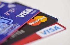 Trung Quốc: Chi tiêu bằng thẻ tăng nhanh