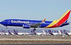 Máy bay Boeing 737 MAX 8 hạ cánh khẩn ở Orlando do lỗi động cơ