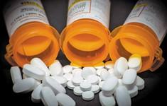 Mỹ buộc tội hàng chục bác sĩ kê đơn lạm dụng thuốc giảm đau gây nghiện