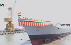 Ấn Độ hạ thủy tàu khu trục tự chế tạo