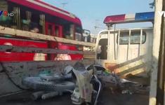 Xe khách kéo lê xe máy, 1 người tử vong