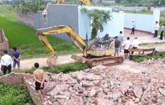 Cưỡng chế công trình trái phép ở Sóc Sơn