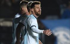 """Copa America 2019: Messi """"muối mặt"""" vì trận thua sốc của Argentina"""