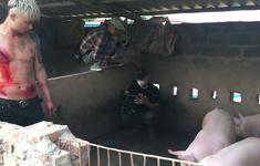 """Hậu trường """"Mê cung"""": Đoàn phim lội ao, chui vào chuồng lợn giữa trời nắng nóng"""