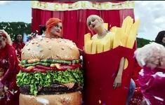 """Taylor Swift ra mắt MV mới, fan """"bấn loạn"""" khi thấy Katy Perry xuất hiện"""