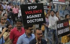 Bác sĩ Ấn Độ bãi công phản đối bạo hành