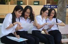 """[INFOGRAPHIC] Top 15 trường THPT có tỷ lệ """"chọi"""" cao nhất Hà Nội"""