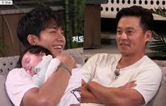 Trổ tài chăm sóc trẻ nhỏ ở show mới, Lee Seung Gi khiến các fan rung rinh