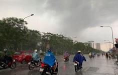 Hà Nội: Ngày nắng nóng, chiều tối có thể mưa giông