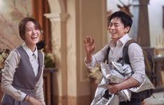 YoonA (SNSD) cười rạng rõ ở hậu trường phim E.X.I.T