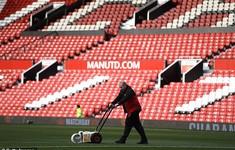 Manchester United gửi chuyên gia chăm sóc mặt cỏ đi du đấu cùng CLB