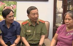 Bộ trưởng Bộ Công an Tô Lâm thăm và tặng quà các gia đình liệt sỹ