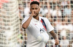 """Ăn mừng lạ, Neymar thông báo """"tin vui"""" cho người hâm mộ?"""