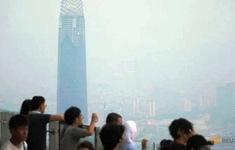 Malaysia làm mưa nhân tạo dập khói mù