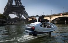Taxi bay thử nghiệm trên sông Seine, Paris
