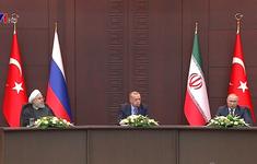 """""""Hòa bình ở Syria chỉ có thể đạt được bằng nỗ lực chính trị và ngoại giao"""""""