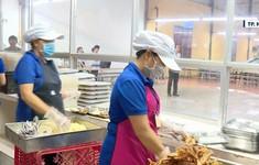 Giám sát các cơ sở cung cấp suất ăn và bếp ăn tập thể