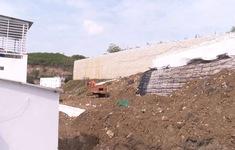 Đã tháo dỡ xong tường chắn khổng lồ tại dự án Đồi Xanh