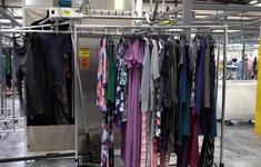 Xu hướng cho thuê quần áo, giảm tiêu dùng lãng phí