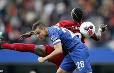 Thủ quân Chelsea rơi từ thiên đường xuống địa ngục khi đụng Liverpool