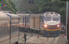 Xem xét đề xuất điều chuyển Tổng Công ty Đường sắt Việt Nam về Bộ GTVT