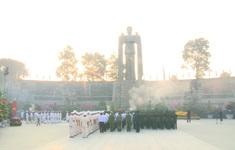 Lãnh đạo TP.HCM viếng Nghĩa trang Liệt sĩ nhân dịp Tết Canh Tý