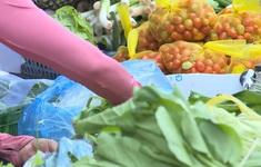 Hà Nội: Rau xanh, thủy hải sản tăng giá mạnh