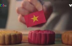 Đại sứ Mỹ trổ tài làm bánh Trung thu truyền thống của Việt Nam