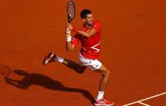 Tiếp tục thắng chóng vánh, Djokovic thẳng tiến vào vòng 3 Pháp mở rộng