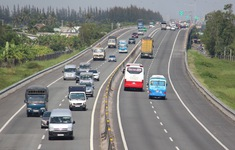 Thu phí cao tốc bằng vốn ngân sách: Chọn phương án nào, thu ra sao?