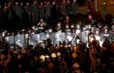 Thái Lan dỡ bỏ tình trạng khẩn cấp nghiêm trọng ở Bangkok
