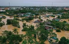 """Tình hình mưa lũ ngày 22/10: Bão số 8 mạnh nhất khi trên biển, người dân vùng rốn lũ sống cảnh """"3 không"""""""