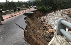 Nhiều tuyến quốc lộ tại miền Trung vẫn chưa thể lưu thông