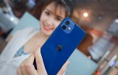 Trên tay iPhone 12 bản màu Pacific Blue giá 23 triệu đồng tại Việt Nam