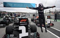 Lewis Hamilton phá kỷ lục của huyền thoại Schumacher