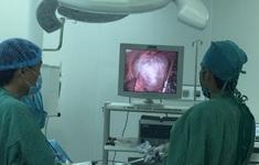 Bệnh nhân ho có đàm trắng đục lâu ngày, bác sĩ phát hiện kén khí phổi lớn