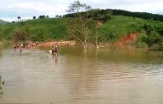 Nhà ngập, đường dân sinh thành sông vì bảo vệ thủy điện… ngủ quên
