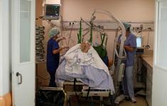 Pháp triển khai máy bay quân sự để di chuyển bệnh nhân COVID-19