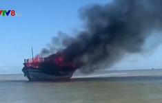 Cháy tàu đò Cù Lao Chàm, 18 người thoát nạn