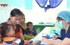 Khám chữa bệnh miễn phí cho đồng bào Bhnong