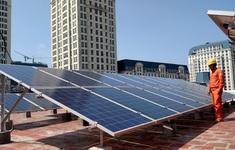 """Phát triển điện mặt trời mái nhà - giải pháp """"ích nước lợi nhà"""""""