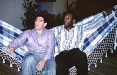 """Pele muốn chơi bóng với Maradona """"trên trời"""""""
