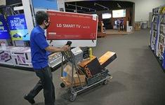Các hãng bán lẻ Mỹ ứng phó với mùa mua sắm bất thường