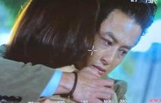 Hồng Đăng lộ ảnh ôm Hồng Diễm khóc