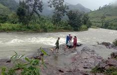 Du khách mắc kẹt ở núi Tà Giang , Khánh Hòa