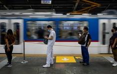 Philippines dọa phạt roi người vi phạm giãn cách xã hội